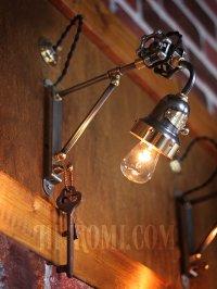 画像2: ベル型カップ&バルブ角度調整付トラスアーム工業系ブラケットライト1/スチームパンク|Hi-Romi.com 完全オリジナル照明