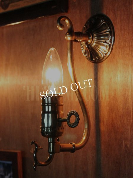 画像1: LEVITON社製真鍮ソケット付きコロニアルフォーリッジスクロールミニブラケットランプA/アメリカンヴィクトリアン壁掛照明ウォールランプ  (1)