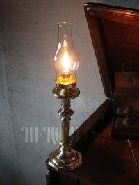 画像2: コロニアルヴィンテージガラスチムニー付真鍮製テーブルランプ/アンティーク卓上照明