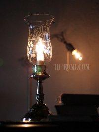 画像1: USAヴィンテージ卓上照明葡萄柄ガラスチムニーテーブルライト