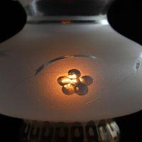 画像2: USAヴィンテージフロストガラス製フリルチムニー付テーブルランプ|アンティーク卓上照明ライト