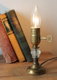画像1: USAヴィンテージ真鍮卓上照明レトロなガラス球のテーブルランプ|アンティークヴィクトリアンテーブルライト