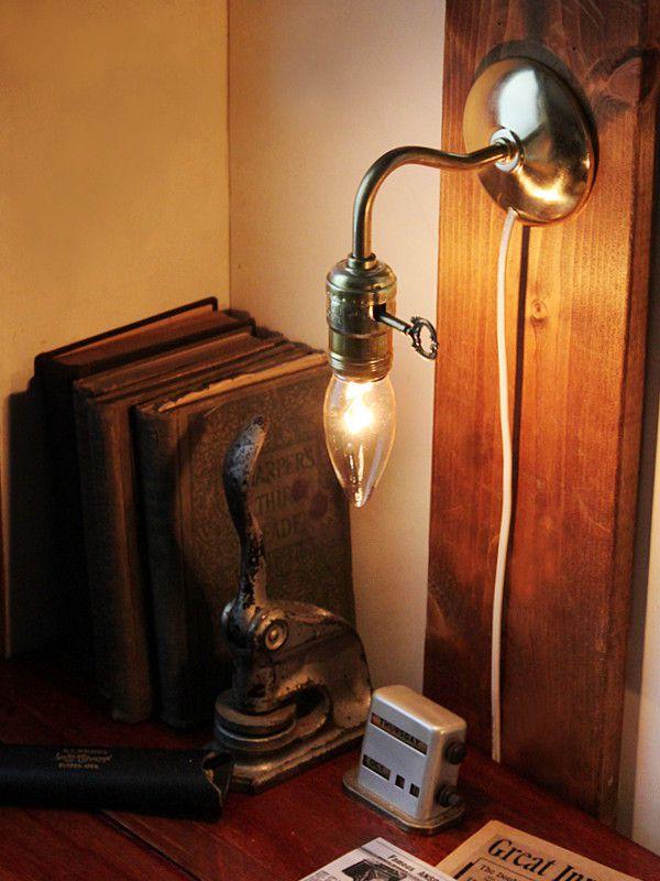 電気工事不要の照明